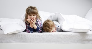 Mattress_Lifestyle_kids_under_quilt_2